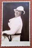 Doamna in alb. Fotografie tip CP datata 1937 - Foto-Daniel, R.-Sarat