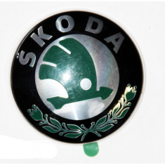 Emblema auto Skoda Octavia 2 2004-2013, Fabia 2 2007-2015, Roomster/Praktik 2006-, Superb 2002-2008, Yeti 2009-2013, logo fata Kft Auto