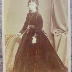 Portretul unei tinere domnisoare// CDV Franz Duschek, Fotograful Curtii Regale