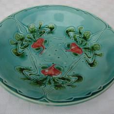 Fructiera din majolica din perioada anilor 1910, stil Art Nouveau