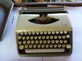 Cumpara ieftin masina de scris TIPPA Triumph