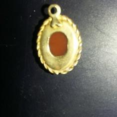Pandantiv vechi Camee,bijuterie vintage,stare cum se vede,1,5 cm/1,3 cm,T.GRATUI