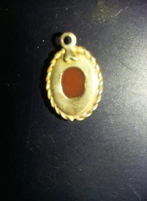 Pandantiv vechi Camee,bijuterie vintage,stare cum se vede,1,5 cm/1,3 cm,T.GRATUI foto