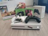 Vand Xbox One S 1 TB, 2 manate + jocuri