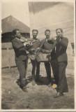 C310 Fotografie ofiter roman si lautari poza veche romaneasca interbelica