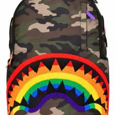 Rucsac Sprayground, Chenille Rainbow Shark, Camuflaj/Multicolor + Sticker Cadou, Unisex