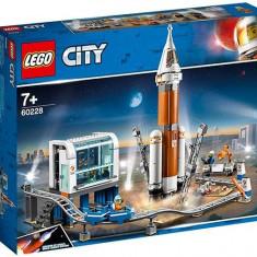 LEGO City - Racheta pentru spatiul indepartat si Centrul de comanda al lansarii
