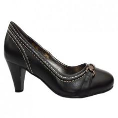 Pantof feminin cu toc mic si design de cusatura contrastanta
