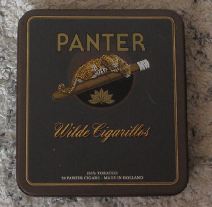 Cutie metalica veche de tigari Panther,Wilde Cigarillos -Holland