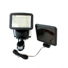 Proiector solar senzor miscare si lumina cu 120 LEDURI, 700lm IP65