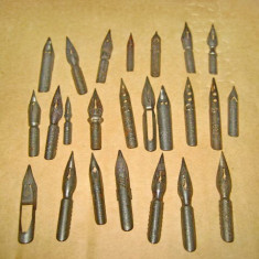 Set 24 penite vechi metal stare buna.