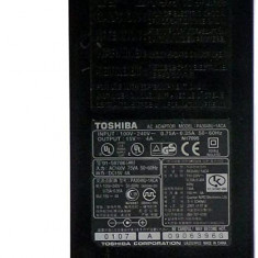 Alimentator laptop second hand Toshiba PA3048U-1ACA 15V 4A tip mufa 6.5mm x 3.00mm