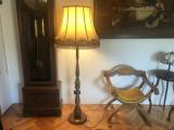 Lampa cu picior,lampadar, vechi german,din lemn masiv,cu abajur