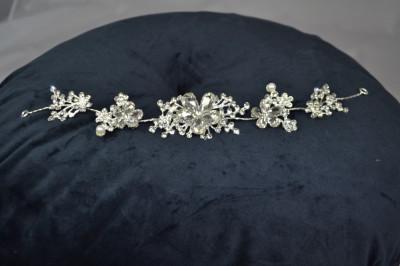 Diadema flexibila cu perle si pietricele, model Floare foto
