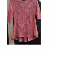Bluza fete roz din dantela masura XS