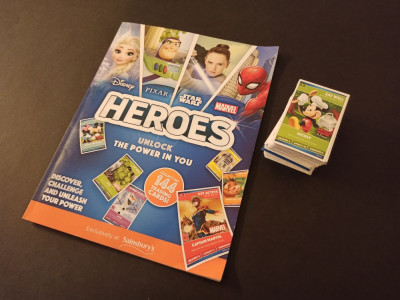 Album gol Disney, Pixar, Star Wars and Marvel Heroes + set complet de cartonase foto