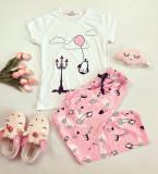 Pijama dama ieftina bumbac lunga cu tricou alb si pantaloni lungi roz cu imprimeu Balon
