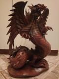 Superb dragon din lemn masiv sculptat integral manual