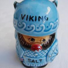 Sararita, solnita din majolica reprezentand un viking, Decorative