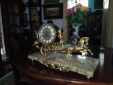 ceas semineu bronz si marmura