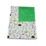 Paturica bebelusi bumbac minky dots - Animalue pe campie - Verde 75x95cm