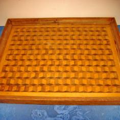 A679-Tava mare veche Art Deco model gen sah placaj rama lemn stare buna.
