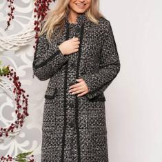 Palton LaDonna negru casual din stofa cu un croi drept din material gros cu aplicatii cusute manual