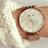 Ceas dama auriu minimalist cu cadran alb sidefat