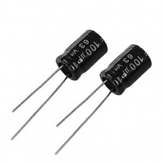 Condensator Electrolitic 100 uF, 63 V