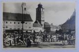 SIBIU - TARG IN PIATA REGELE FERDINAD , FOTOGRAFIE TIP CARTE POSTALA , ORIGINALUL DE E . FISCHER , MONOCROMA , NECIRCULATA , DATATA 1941