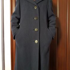 Pardesiu dama din stofa groasa de foarte buna calitate,culoare bleumarin-negru, 44