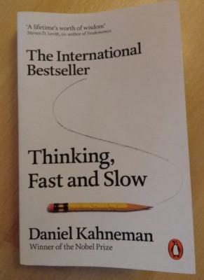 THINKING , FAST AND SLOW / DANIEL KAHNEMAN , 2011 foto