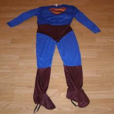 Costum carnaval serbare superman pentru copii de 9-10 ani, Din imagine