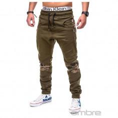 Pantaloni pentru barbati verde cu insertii de camuflaj stli militar army banda jos casual P387