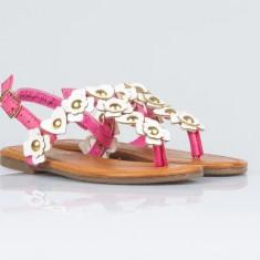 Sandale fetite marime 25 si 26