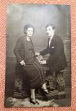 Cuplu tanar - Fotografie tip carte postala datata 1925, Ploesti