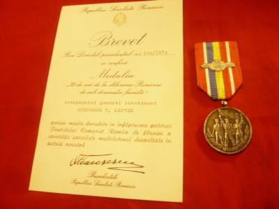 Medalie si Brevet - 30 Ani de la Eliberarea Romaniei de sub dominatia fascista foto