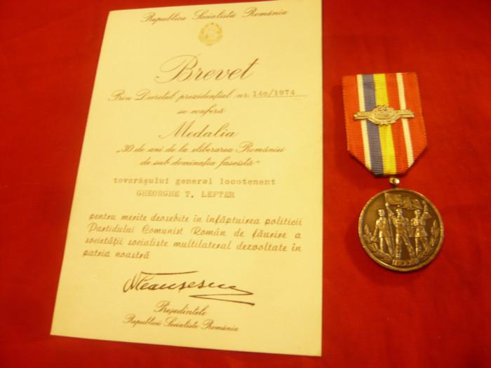 Medalie si Brevet - 30 Ani de la Eliberarea Romaniei de sub dominatia fascista