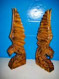7806-Vulturi statuiete pereche lemn model rustic. Stare buna, inaltime cca 25 cm