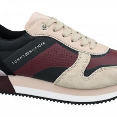 Cumpara ieftin Półbuty Tommy Hilfiger Active City Sneaker FW0FW04304-674 pentru Femei