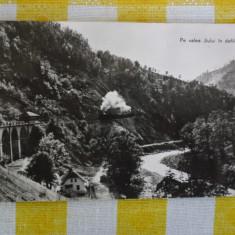 Pe valea Jiului - Defileu - vedere circulata 1963