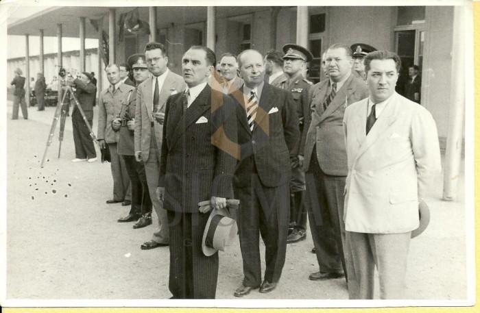 FOTOGRAFIE, MIHAI ANTONESCU, OVIDIU AL. VLEDESCU, MINISTRU SANATATII -PETRE TOMESCU, 1941