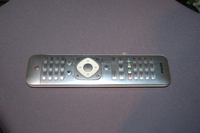 Telecomanda TV SMART LED PHILIPS 2422 549 90523 TVCR62312/12