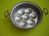 Forma de prajitura din cupru cu manere turnate din bronz