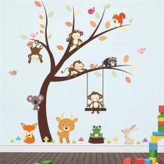 Sticker perete camera copil maimute in copac si leagan