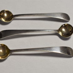 Trei Lingurite vechi din argint - pentru condimente / mustar - 37,5 grame