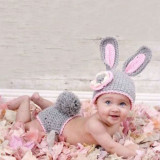 Costum crosetat bebelusi iepure+ morcov sedinte foto, botez