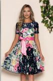 Cumpara ieftin Rochie Jaqueline bleumarin cu imprimeu floral roz si cordon in talie