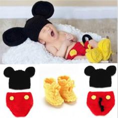 Costum crosetat bebelusi Mickey Mouse sedinte foto/botez
