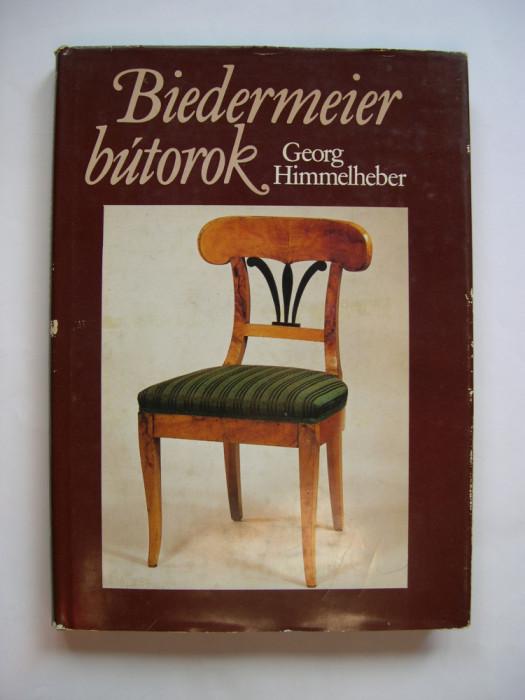 Mobilier, mobila Biedermeier. Prezinta si descrie 166 piese